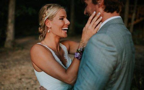 Trenéra Simona Nausche si vzala v září v Americe.