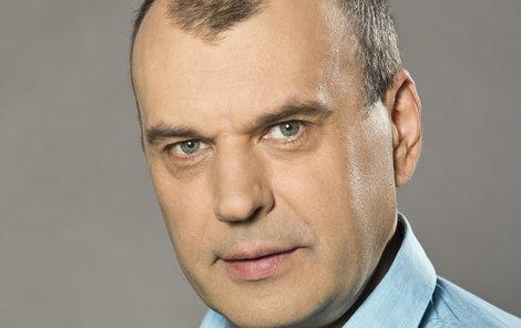 Petr Rychlý se nebál pro režisérku skočit!