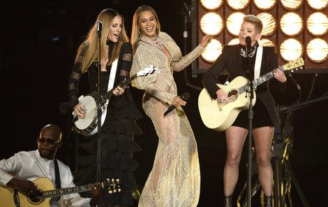 Country v podání Beyoncé lahodí oku.