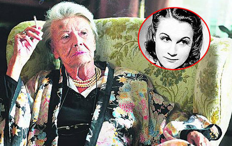 Herečka Zdenka Procházková si zahrála Lídu Baarovou, která zamlada bývala její hereckou kolegyní. Stejně jako třeba Adina Mandlová.