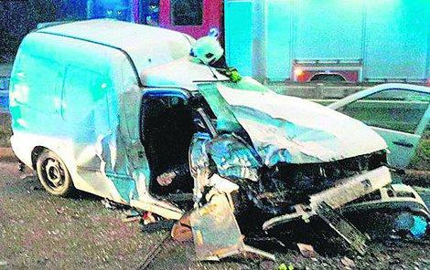 Spolujezdec nehodu nepřežil.