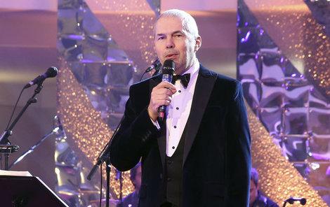 Herec bere takové nabídky jako moderování Plesu v Opeře.