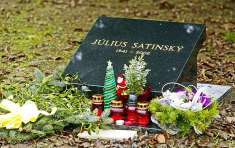 Hrob Júlia Satinského