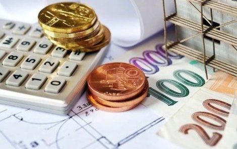 Zákon lépe ochrání běžné dlužníky, ale přísnější pravidla zdraží půjčky i hypotéky.