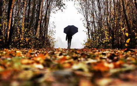 Sice se oteplí, jenže v permanenci budou deštníky...