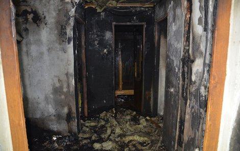 Dům v Pleteném Újezdu je po požáru neobyvatelný.