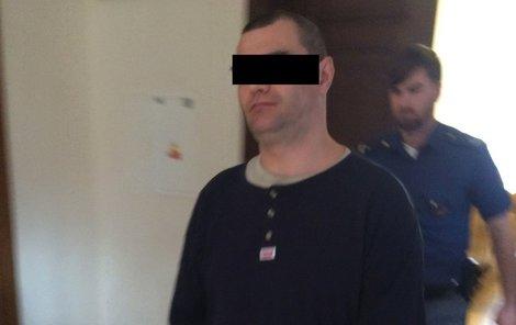 K brněnskému soudu dorazil včera Pavel R. bez známek emocí.