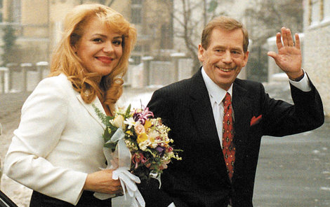 4. LEDNA 1997 - Veškrnová je už půl hodiny Havlová.