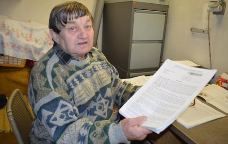 Senior musel napsat 38 dopisů, než se domohl spravedlnosti.