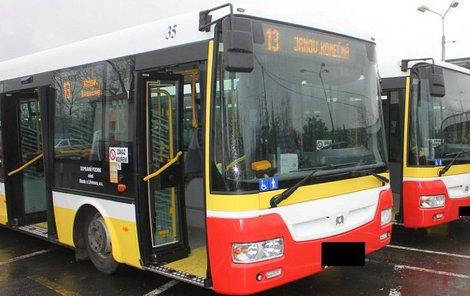Policie shání svědky z autobusu linky č. 13.