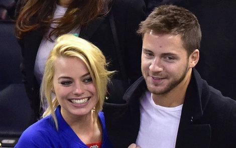 Margot a Tom jsou spolu už tři roky.