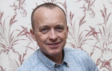Moderátor Karel Voříšek má charisma.