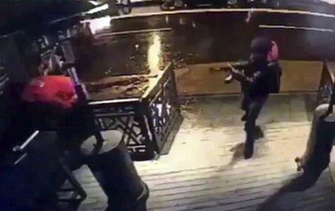 Masakr v tureckém klubu