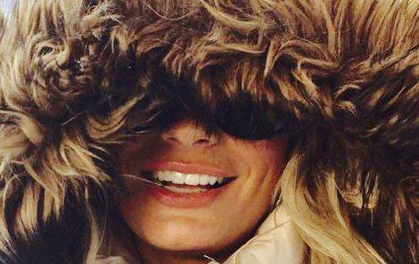 Pod jejím úsměvem netají jen muži, ale i ledy.