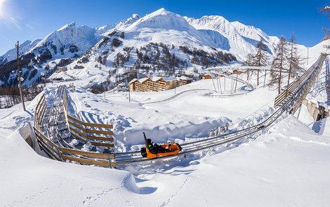 Do Francie by se měli vypravit všichni lyžařští fajnšmekři.