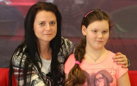 Natali i její maminka Jarmila doufají, že se zlá nemoc nevrátí.