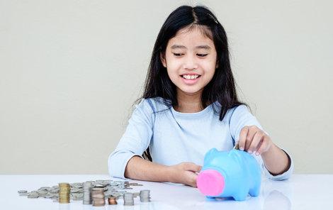 Založte dítěti vlastní konto: Naučte potomka hospodařit s penězi!