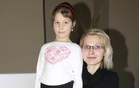 Statačná Natálka se svou maminkou Erikou.