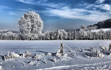 Zimní krajina vypadá půvabně, ale mrazivé počasí umí tělo potrápit.