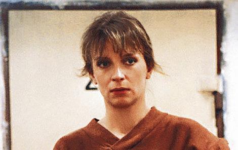 1992. Jako disidentka Marta v seriálu Přítelkyně z domu smutku.