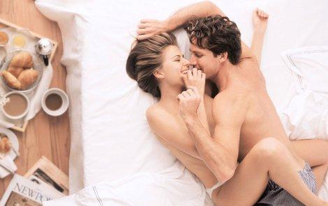 V neděli ráno lidi nic netlačí, a tak mají na sex čas i chuť.
