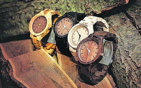 e73120ef1d4 Tři kamarádi z Liberce vám vyrobí dřevěné hodinky!