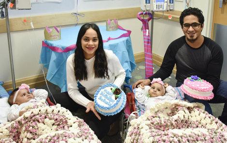 Rodiče Laurilin a Marino se nemohou svých holčiček nabažit.