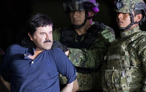 Než skončí soudy, drží zatím Guzmána v této budově, Metropolitan Correctional Center na Manhattanu.