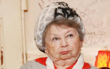 Aťka Janoušková (87) bude sama a je ráda.