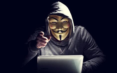 Útoky počítačových hackerů, jako třeba těch ze skupiny Anonymous, jsou v poslední době stále častější.
