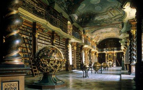 Pohled na barokní sál bere lidem dech.