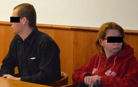 Roman R. si má odsedět čtyři roky ve vězení. Žena, kvůli které se incident stal, sedí vedle něj.