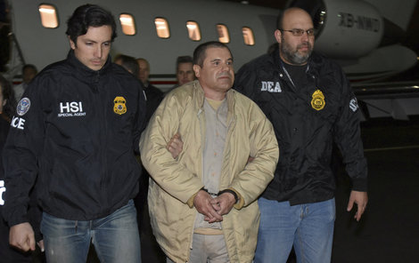 Joaquin Guzmán byl převezen z Mexika do USA.