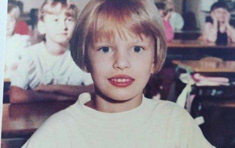 1991 - Prvňačka s velkýma očima.