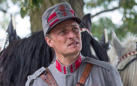 Jako strážmistr Vlach si zahrál ve třech dílech Četníků z Luhačovic.