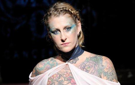 Mimořádně statečné ženy, které se nebály ukázat své jizvy po mastektomii.
