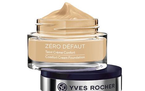 Kryje drobné nedostatky, sjednocuje pokožku a vyživuje jí – Krémový make-up pro bezchybnou pleť, Yves Rocher, 469 Kč.