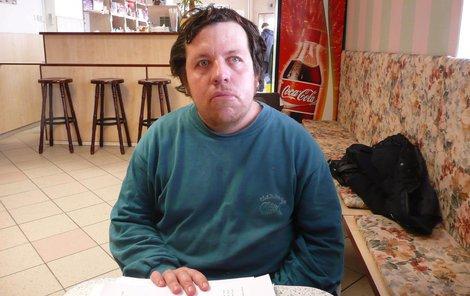 Invalidní důchodce Vladislav Tkáč má za to, že ho podnikatel jen využil.
