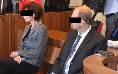 Vanda Š. a Radovan S. na lavici obžalovaných.