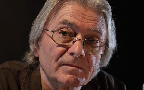 Ladislav Mrkvička (78), který je momentálně v nemocnici s komplikovanou zánětlivou chorobou, už trpěl zdravotními problémy před rokem.