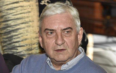 Miroslav Donutil se vtátil na místo činu.
