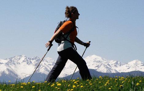 Nordic walking? Sport vhodný opravdu pro každého!   Ahaonline.cz
