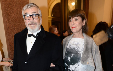 Jiří Bartoška s manželkou.