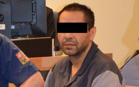Před vynesením rozsudku vypadal Josef S. jako uzlík neštěstí, pak se rozohnil.