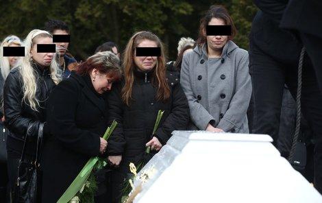 Zlomená Dáša, ztratila syna i muže.