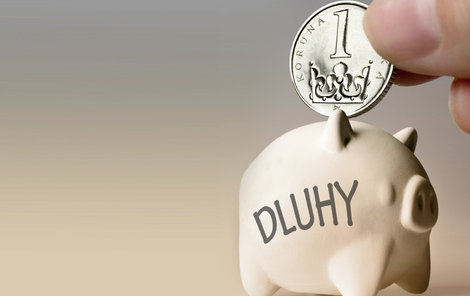 Dluhů se jde zbavit několika způsoby...