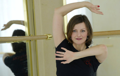 Hanka je stále aktivní tanečnicí. Nejméně čtyřikrát týdne učí, každé ráno cvičí také jógu.