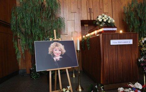 Poslední rozloučení se zpěvačkou Věrou Špinarovou.