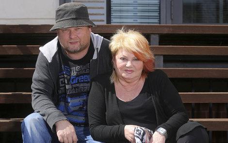 Věra Špinarová a její syn Adam Pavlík.