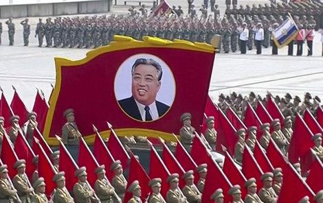 Severní Korea slaví výročí narození zakladatele komunistického režimu Kim Ir-sena.